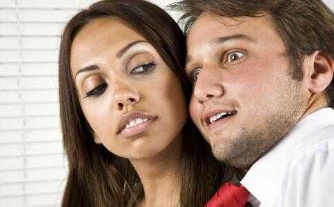 新婚姻法出轨怎么处理_精神出轨是出轨吗_出轨处理