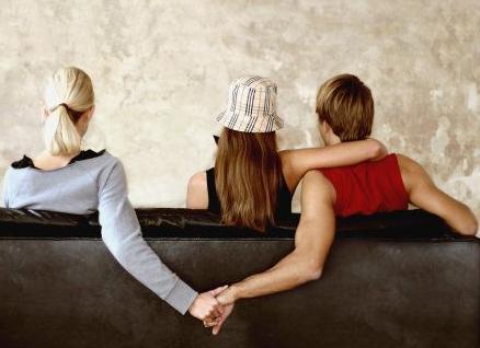 婚姻出轨了_出轨后的婚姻_比出轨更伤害婚姻