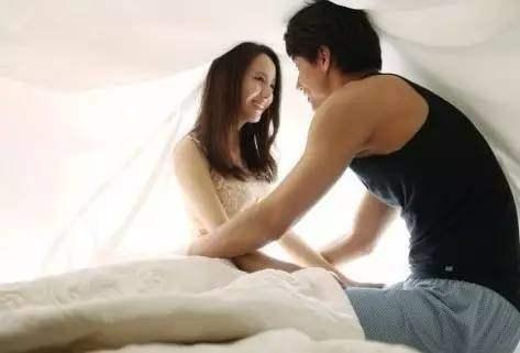 老公阳痿老婆出轨_实拍老婆出轨老公捉奸在床_老公出轨了老婆